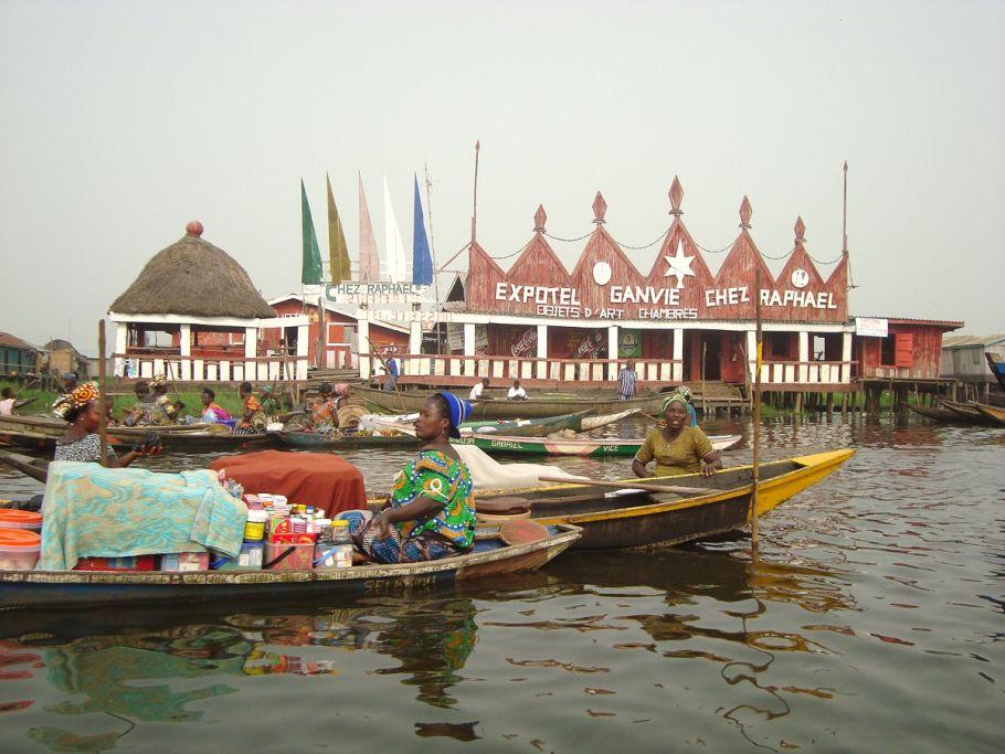 Benin lumiere bateaux