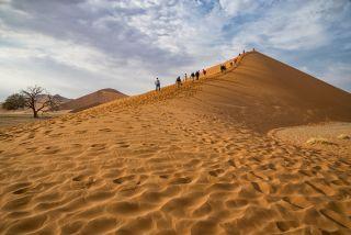Derrière cette dune s'étend le territoire de l'Afibizimbwana !