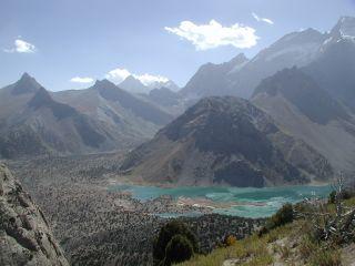 Vue sur le lac d'altitude.JPG
